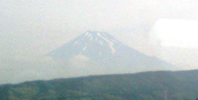 行きの新幹線富士山が見えると負ける確立大.JPG